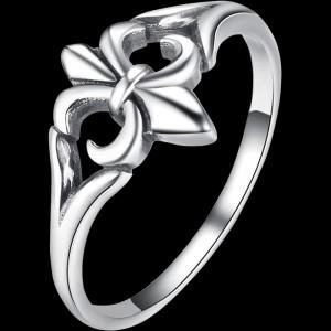 Classic Fleur-De-Lis Ring