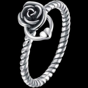 Ropin' Rose Ring