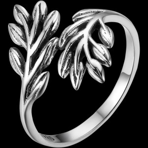 Wild and Free Leaf Ring